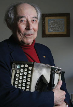 Gregory Rabassa with the manual typewriter he used to do his work. (Photo by Chester Higgins, Jr./The New York Times)