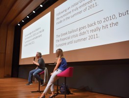 Larry Cohen and Rosie Wells discuss their respective translations of a financial article with the audience during a translation slam at UETF 2018. Photo credit: Bernhard Lorenz.